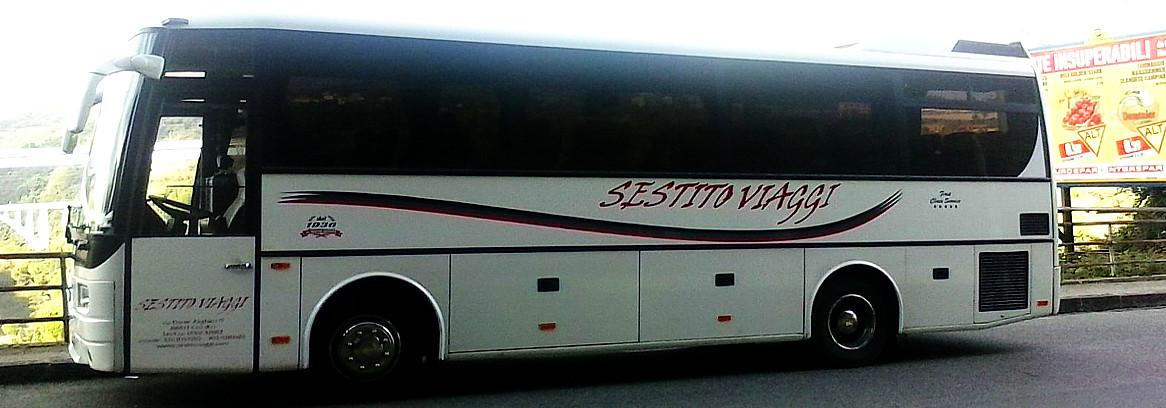 noleggio minibus Mercedes 36 posti